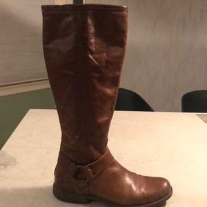Frye Mellisa riding boots in excellent condition.